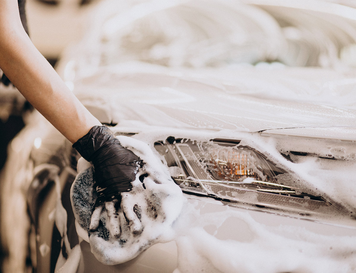 Lavage et entretien extérieur voiture