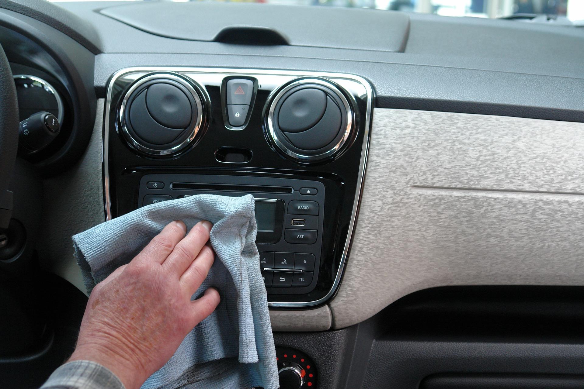 Entretien intérieur voiture